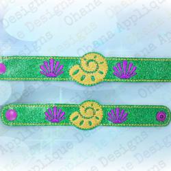 Seashell Wristlet Bracelet